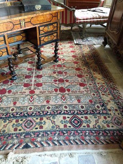 Grand tapis persan. 340x205 cm.