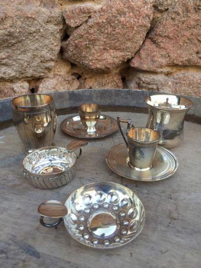Un lot de métal argenté divers
