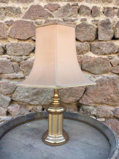 Lampe porcelaine de Chine et lampe laiton