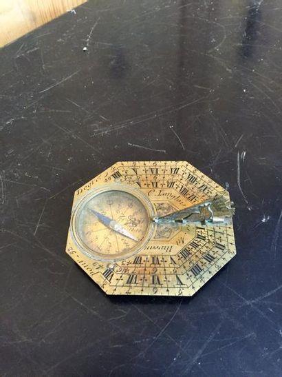 Cadran solaire en laiton gravé, signé «Butterfield à Paris52».  XVIIIème siècle....