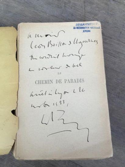 Un livre : les Chemins de Paradis de Charles Maurras, avec une dédicace