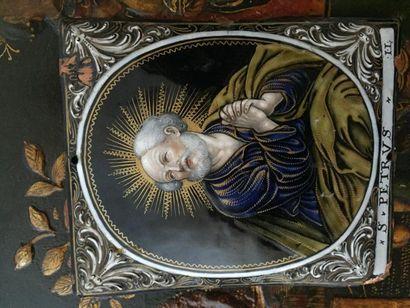Plaque en émail «Saint Pétrus», monogrammé...