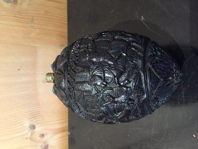 Poire à poudre en noix de coco sculptée de...