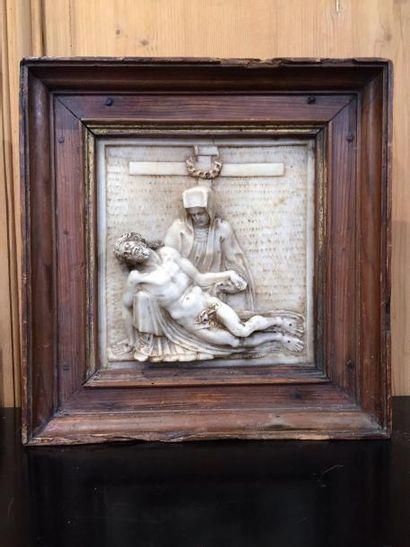Déploration du Christ, plaque en albâtre...