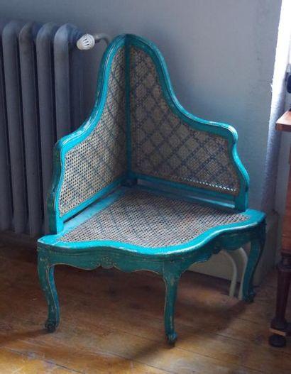 Rare paire de fauteuils d'angle à fond de...