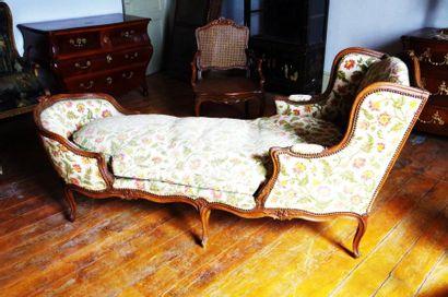 Grande chaise longue à oreilles en hêtre...