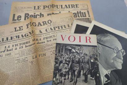 CAPITULATION ALLEMANDE. 2 journaux historiques...