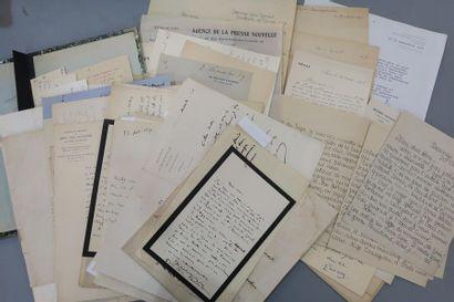 AUTOGRAPHES. Plus de 150 lettres diverses....