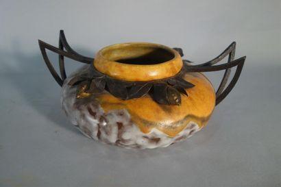 Louis DAGE (1885-1963) Vase en céramique...