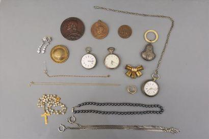 lot de bijoux fantaisie, hochet, montres...