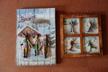 Deux panneaux décoratifs en bois sur le thème...