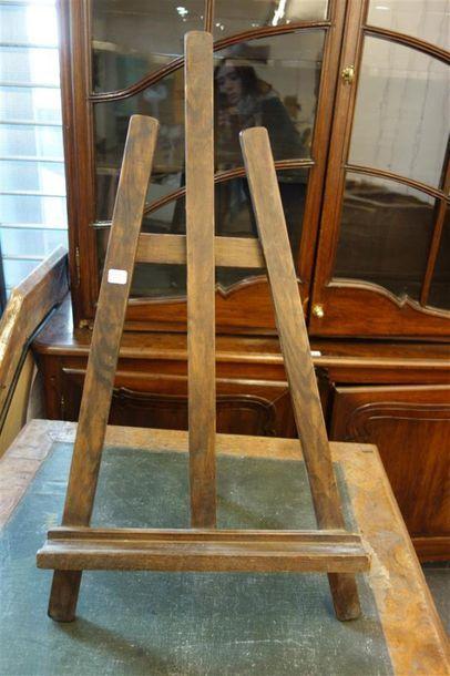 CHEVALET de table en bois naturel.
