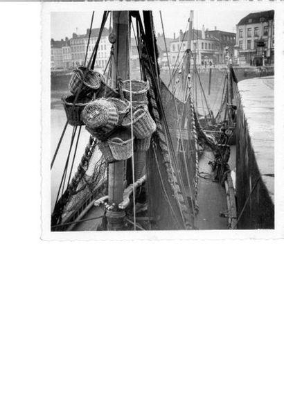 ALEXANDRE TRAUNER (1906-1993) Repérages sur les quais de Dunkerque, 1937 12 épreuves...