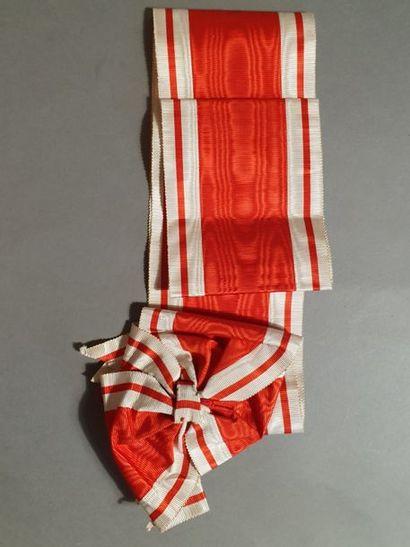 Saint-Stanislas de Russie, écharpe de 1ère Classe en soie moirée rouge à double...