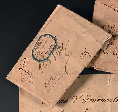 Rose Papier manuscrit plié contenant une...