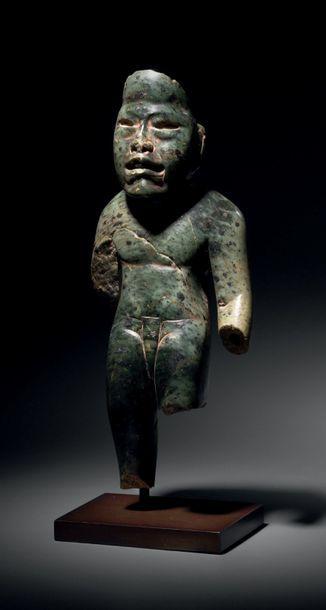 STATUETTE ANTHROPOMORPHE Culture Olmèque,...