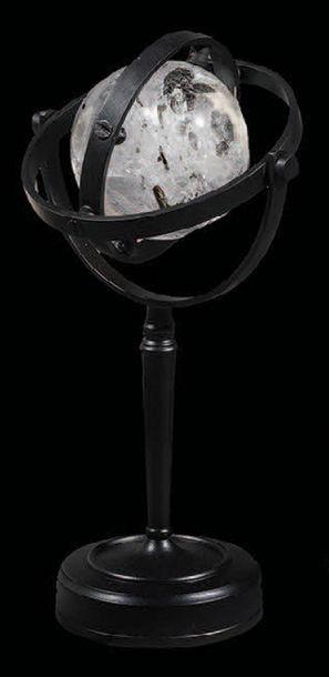 Sphère de cristal de roche transparent avec...