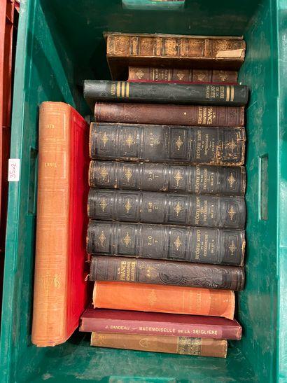 Deux caisses: Alberti dictionnaire italien...