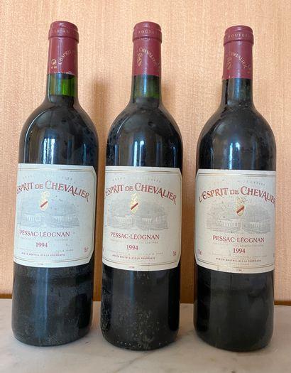 3 bouteilles L'ESPRIT de CHEVALIER 2nd vin...