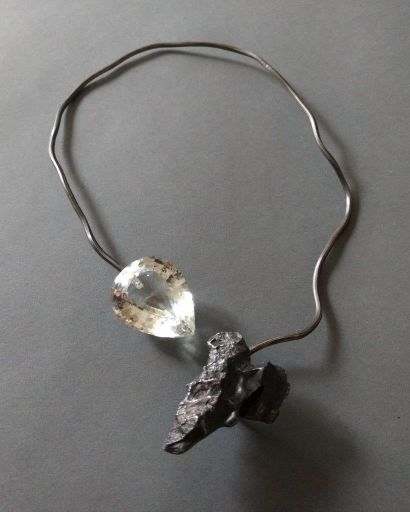 Angela Pintaldi Angela Pintaldi Collier Argent, topaze blanche et météorite Poids...