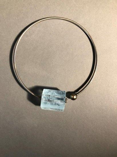 Angela Pintaldi Angela Pintaldi Collier Or 750 millièmes, pierre noire et aigue-marine...