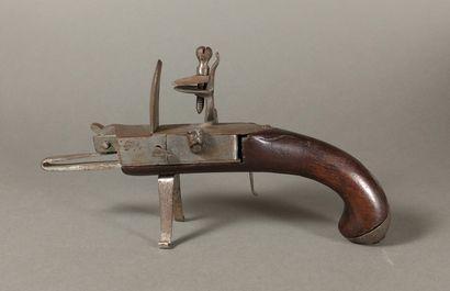 Briquet-pistolet de table à silex en métal...