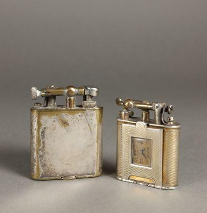 Lot composé de 2 briquets de la marque Dunhill:...
