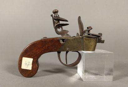 Briquet-pistolet de table à silex, en laiton...