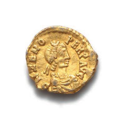 ZENON (474-491) Trémissis or barbare pour les Ostrogoths : Odoacre (476-493). Ravenne...