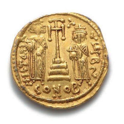 CONSTANT II et ses fils (659-668) Solidus. Contantinople. 4,46 g. Bustes de constant...
