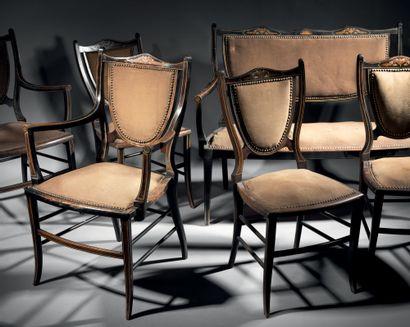Petit mobilier de salon en bois teinté composé...