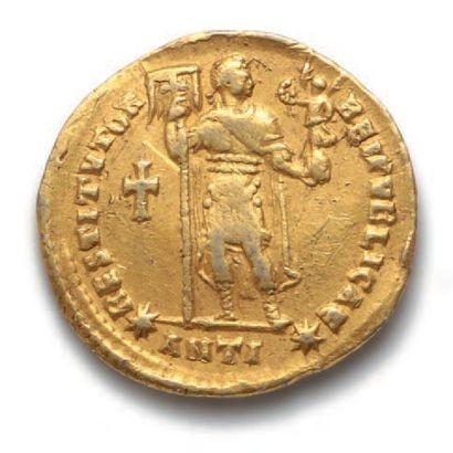 VALENS (364-378) Solidus. Antioche. 10e off. 4,42 g. Son buste diadémé et drapé...