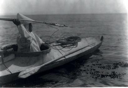 Parka d'été, Inuit(Eskimo), Alaska Début du XXe siècle Intestin de lion de mer...