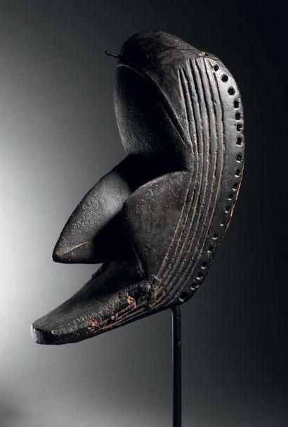 Masque Dan Poro, Côte d'Ivoire Bois à patine noire H. 28 cm Dan Poro mask, Ivory...