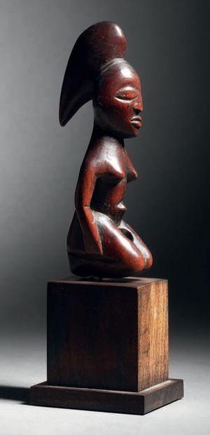 Statuette Lumbo, Congo Bois à patine brillante...