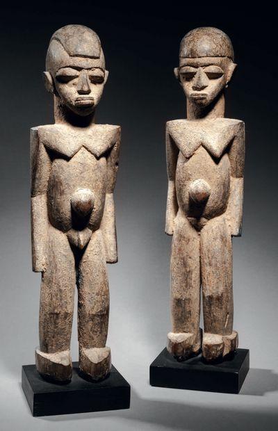 Couple de statues Lobi, Côte d'Ivoire Bois...
