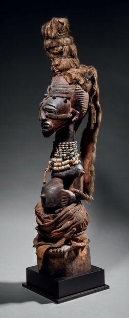 Statue Songye nkisi, République Démocratique...