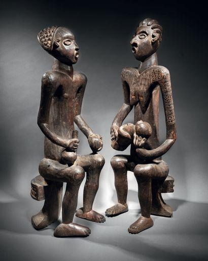 Couple de statues commémoratives, Peuple...