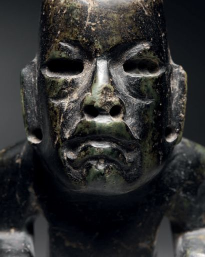PERFORATEUR EN FORME DE COLIBRI STYLISÉ Culture Olmèque, Mexique Préclassique moyen,...