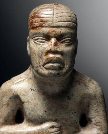 PERSONNAGE DEBOUT VÊTU D'UN PAGNE Culture Olmèque, EL TORTUGUeRO ?, CHIAPAS, Mexique...