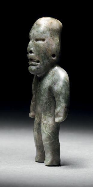 HOMME DEBOUT Culture Olmèque, Mexique Préclassique moyen, 900-400 avant J.-C. Albite...