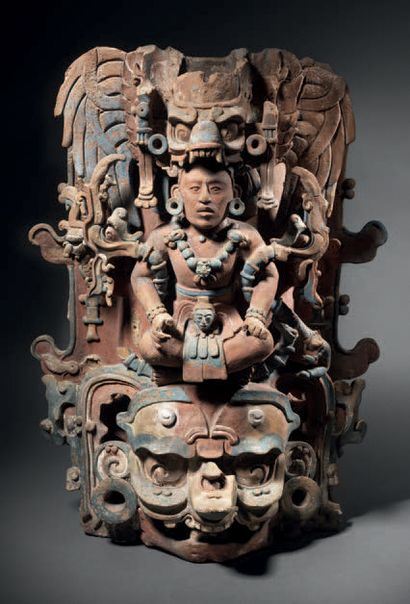 EXCEPTIONAL INCENSE BURNER SUPPORT REPRESENTING A SEATED LORD Maya culture, Chiapas,...