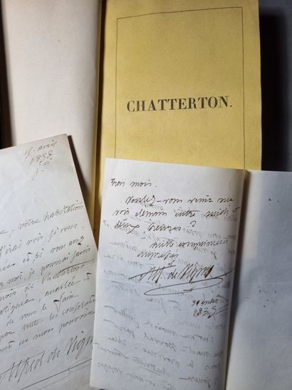 VIGNY (Alfred de). Chatterton. Drama. Paris, Hippolyte Souverain, 1835. In-8, garnet...
