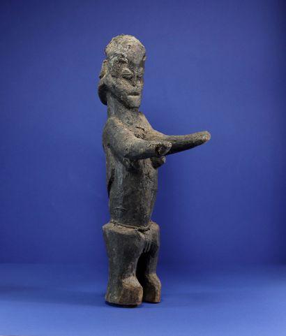 Intéressante statue janus, l'un des personnages...