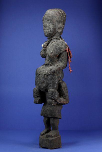 Intéressante statue en bois représentant...