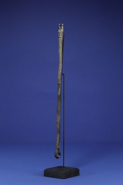Protective bronze in the form of a two-headed snake. Lobi-Gan, Burkina Faso. H....