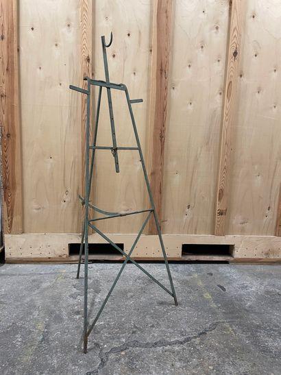 Chevalet en fer forgé Peint en vert On joint...
