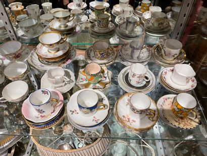 Ensemble de 50 tasses à moka En céramique...