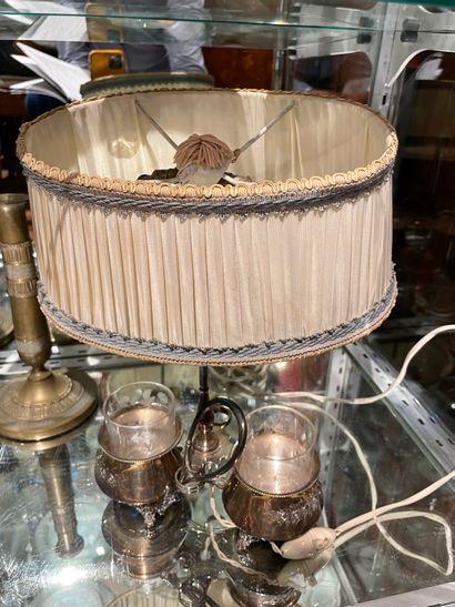 Huilier vinaigrier en métal argenté Monté en lampe Manquent les flacons