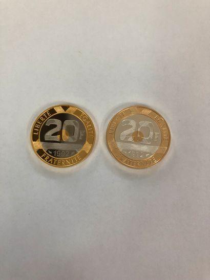 Ensemble de deux pièces de 20 francs 1992...